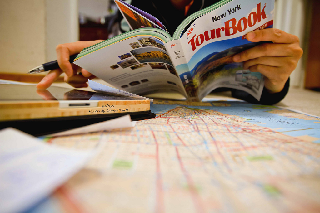 how to make your own travel planner