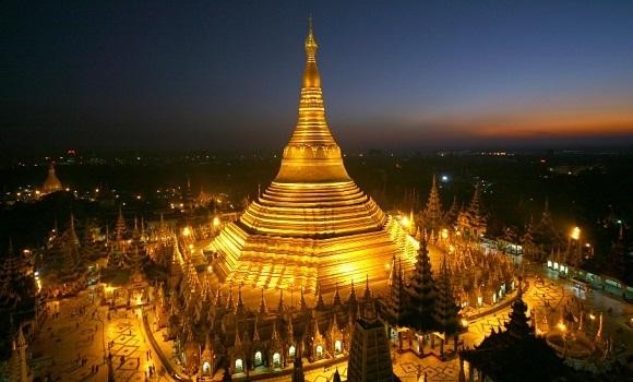 Shwedagon Pagoda night