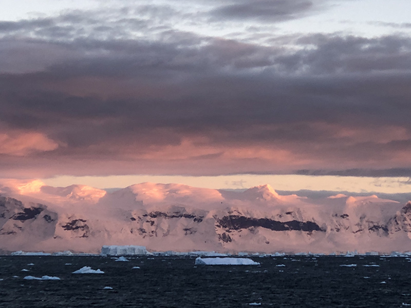 Antarctica sunrise photo tours